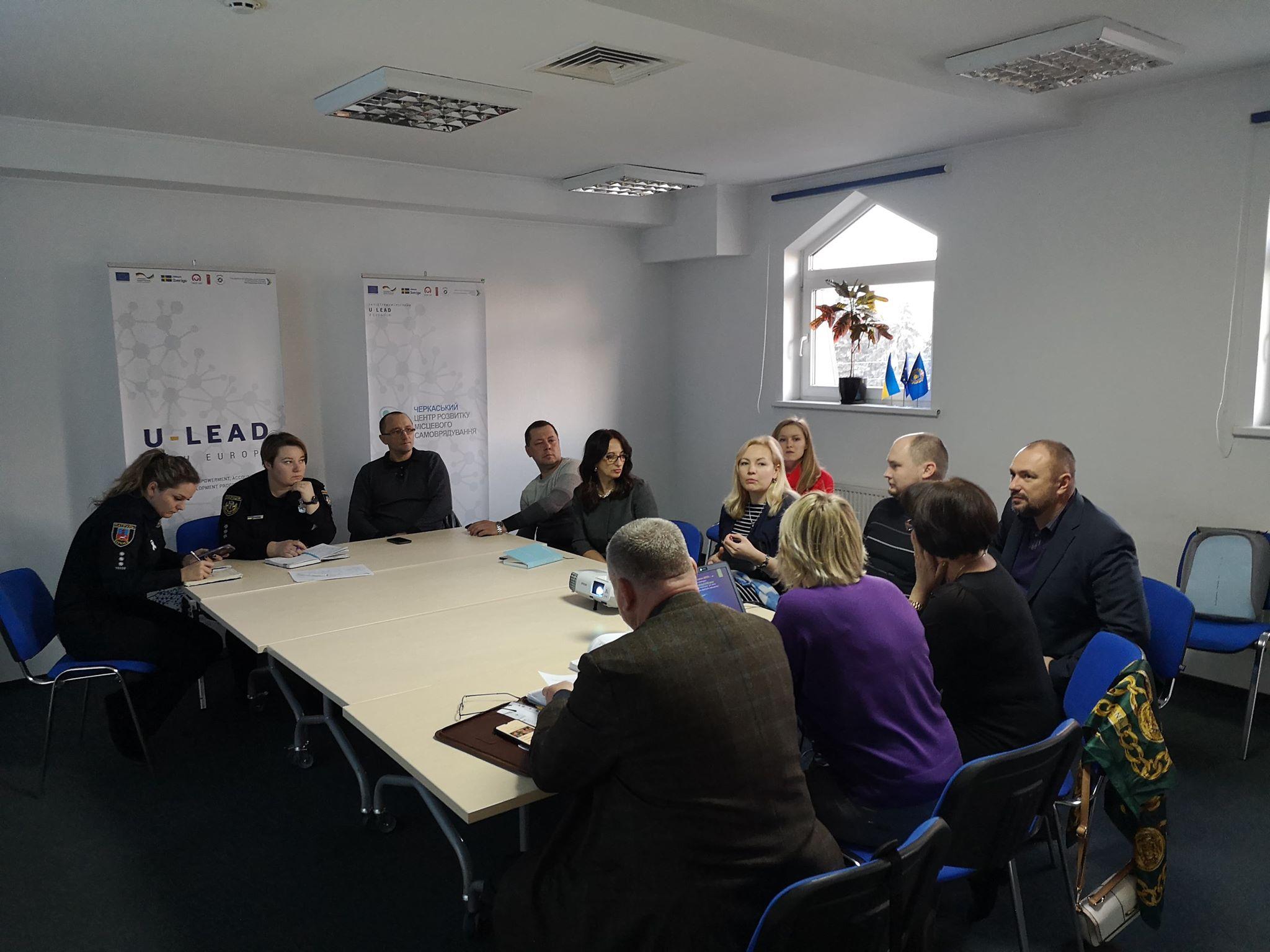 Круглий стіл про стан дотримання прав людини в місцях  несвободи в Черкаській області.