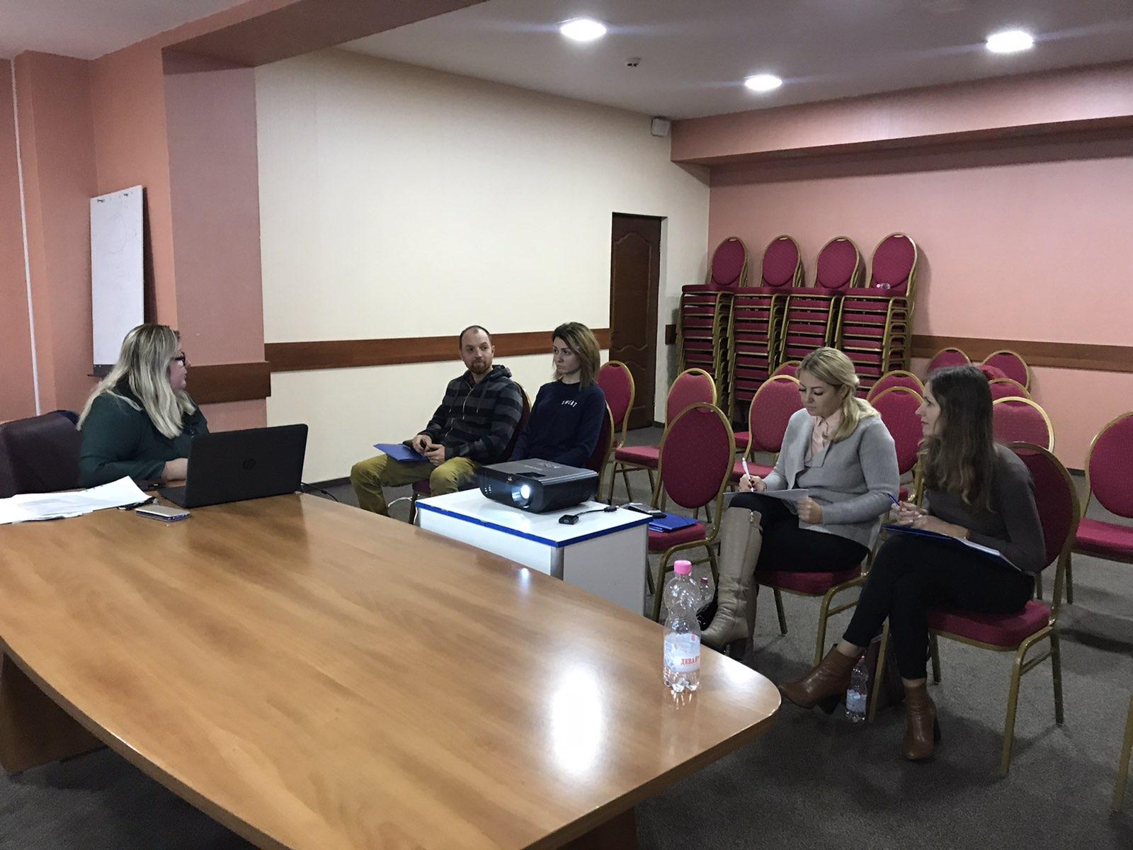 Ефективний захист ЛГБТІ-осіб позбавлених волі: дискусійне обговорення в Івано-Франківську