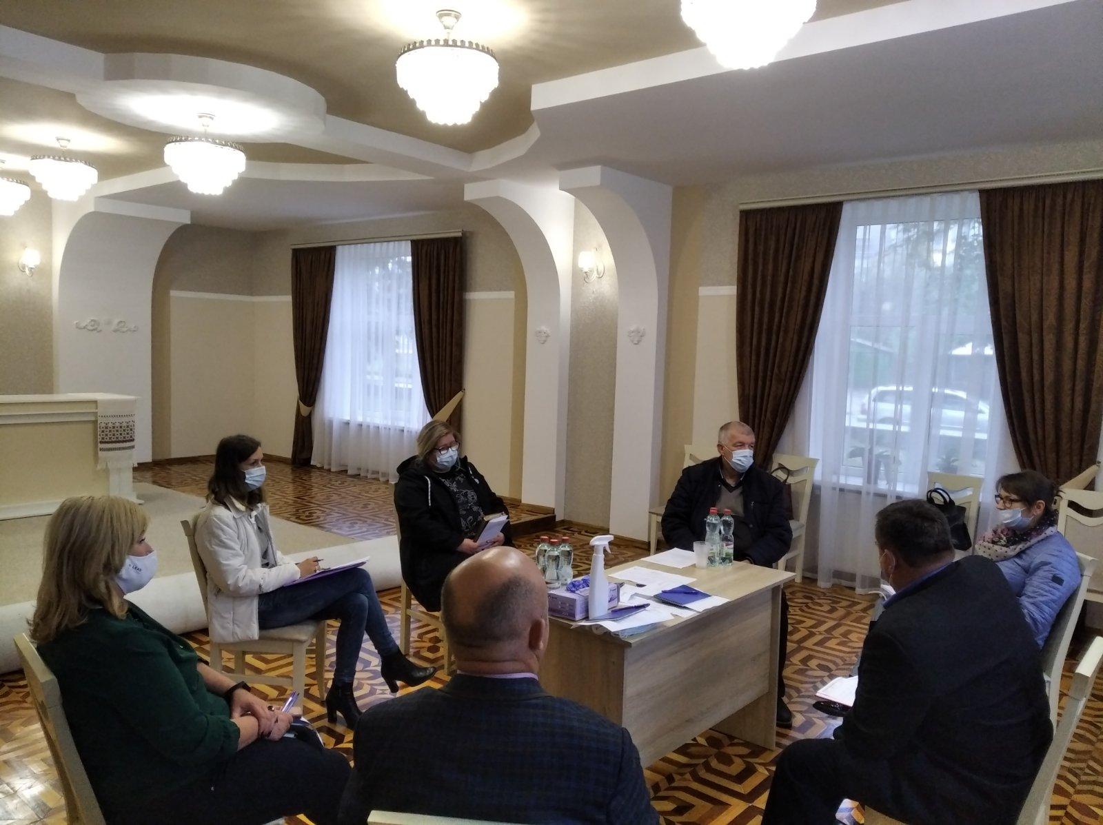 Круглий стіл для представників громади, органів місцевої влади та усіх зацікавлених сторін у Вигодській ОТГ